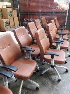 خرید انواع صندلی کارمندی