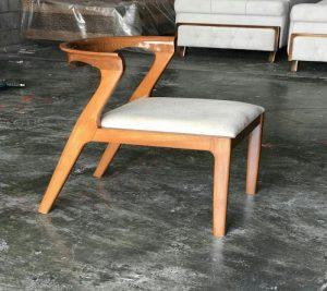 صندلی طرح چوب مناسب